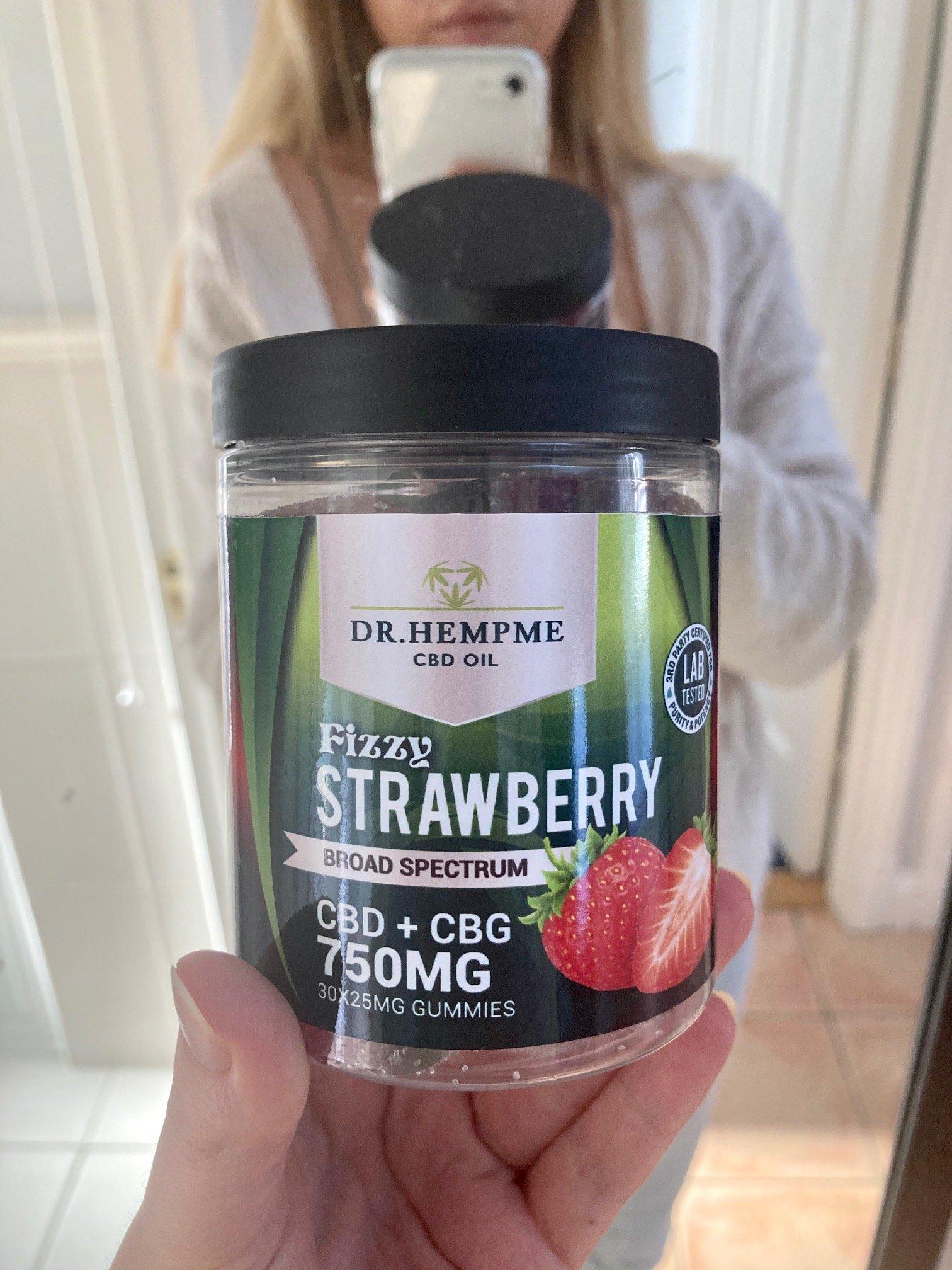 strawberry_jellies_cbd